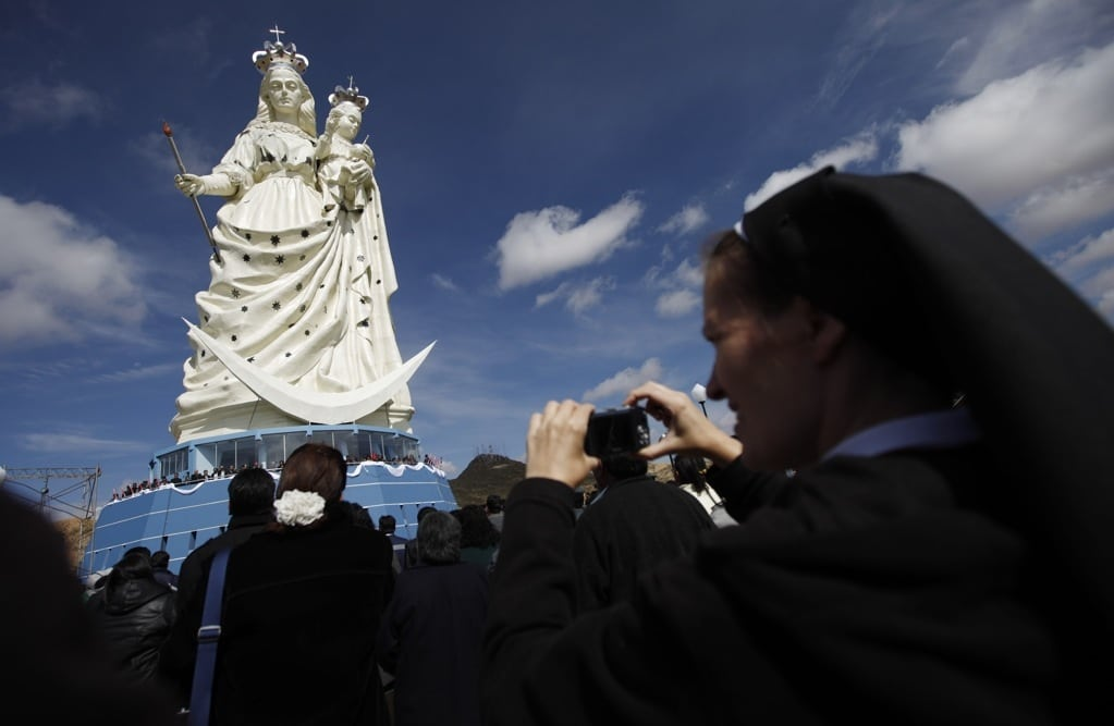 Bolivia mining town takes on both Rio and New York City with giant statue of Virgin