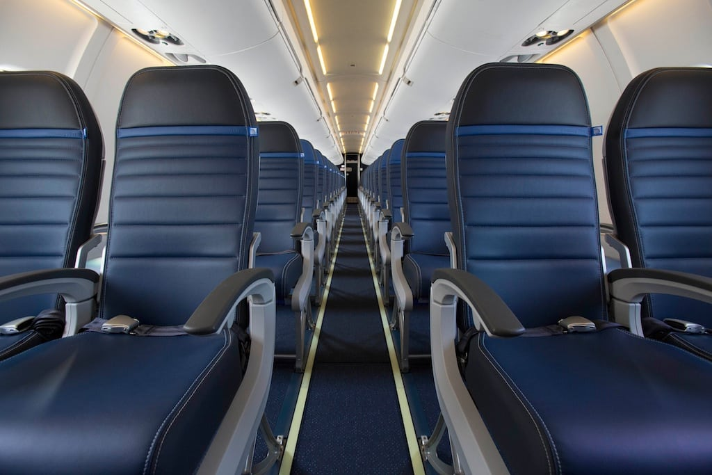 United Cutting Out Economy Plus Seats To Add More Rows In
