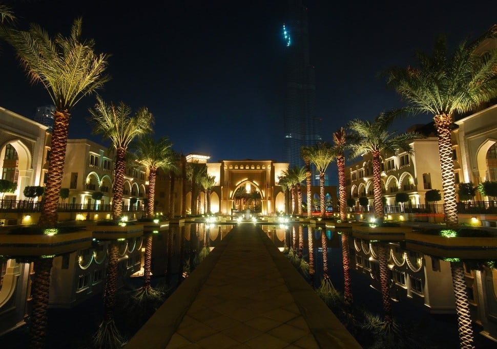 Dubai Courts High-End Hotels by Reducing Regulatory Red Tape