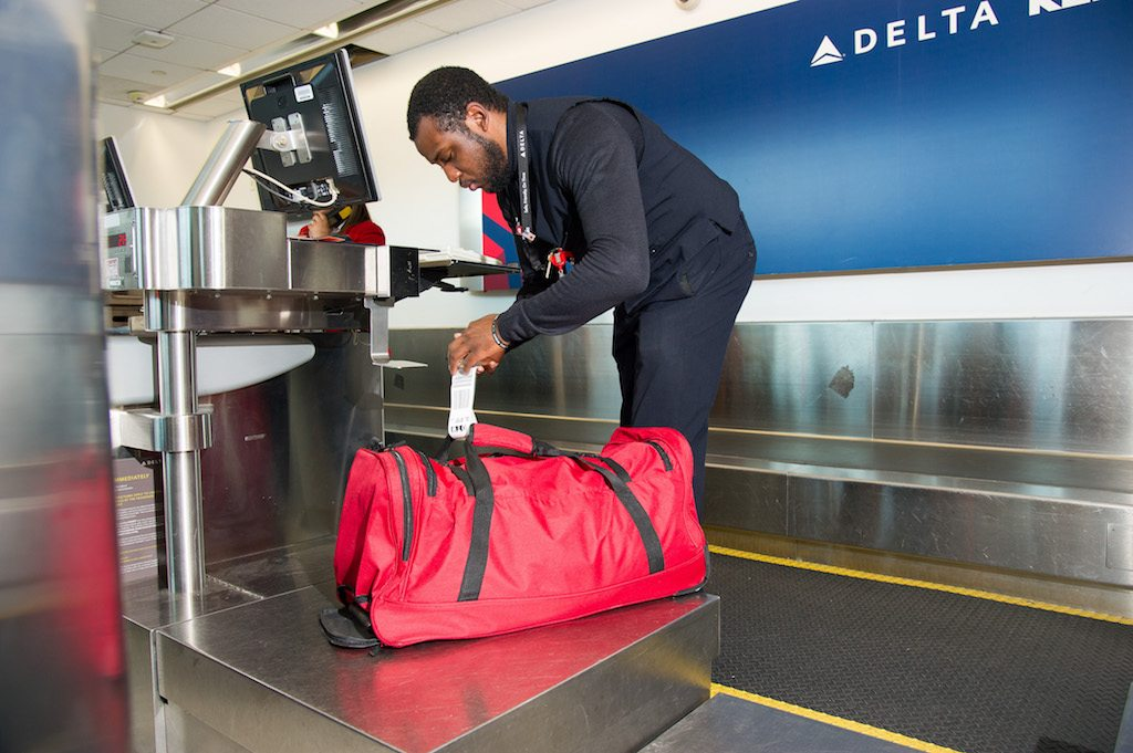 Delta Is Introducing A Basic Economy Fare For Transatlantic Flights Passengers Who It Must Pay 60 Each Way To Check One Bag Air Lines