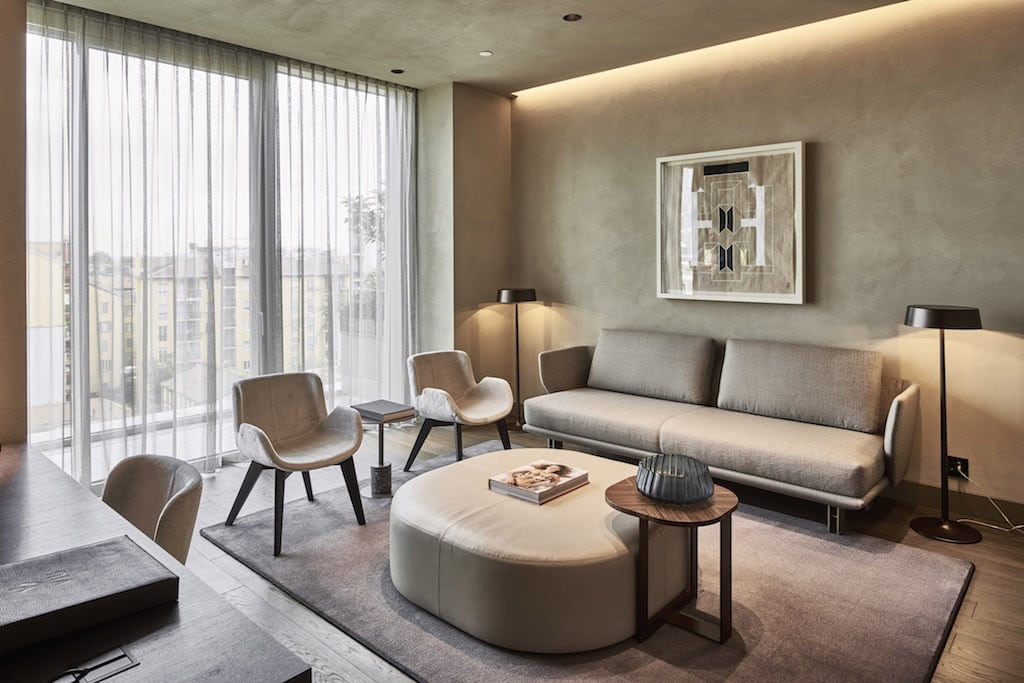 Newest luxury hotels in milan showcase the city 39 s ties to for Luxury hotel milano