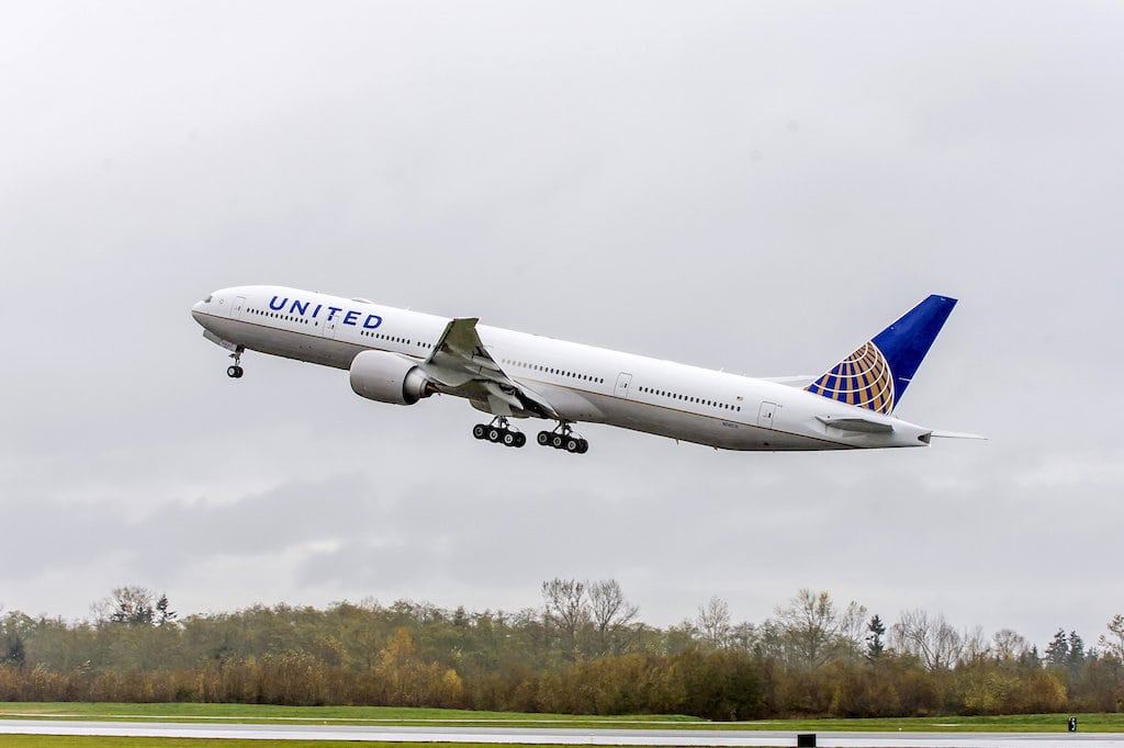 United Airlines Accuses Rouge Flight Attendants of Fraud