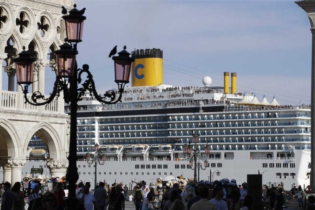 Cruise Ship Crashes Into Dock and Tourist Boat in Crowded Venice Canal