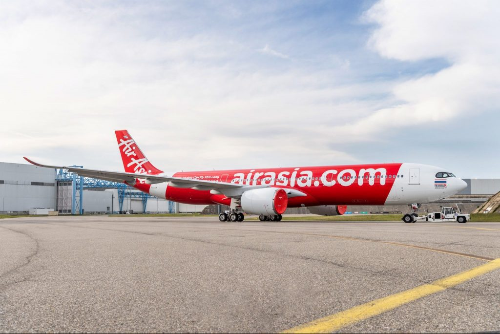 AirAsia Chief Tony Fernandes Takes on Added Role as CEO of Airline's Website