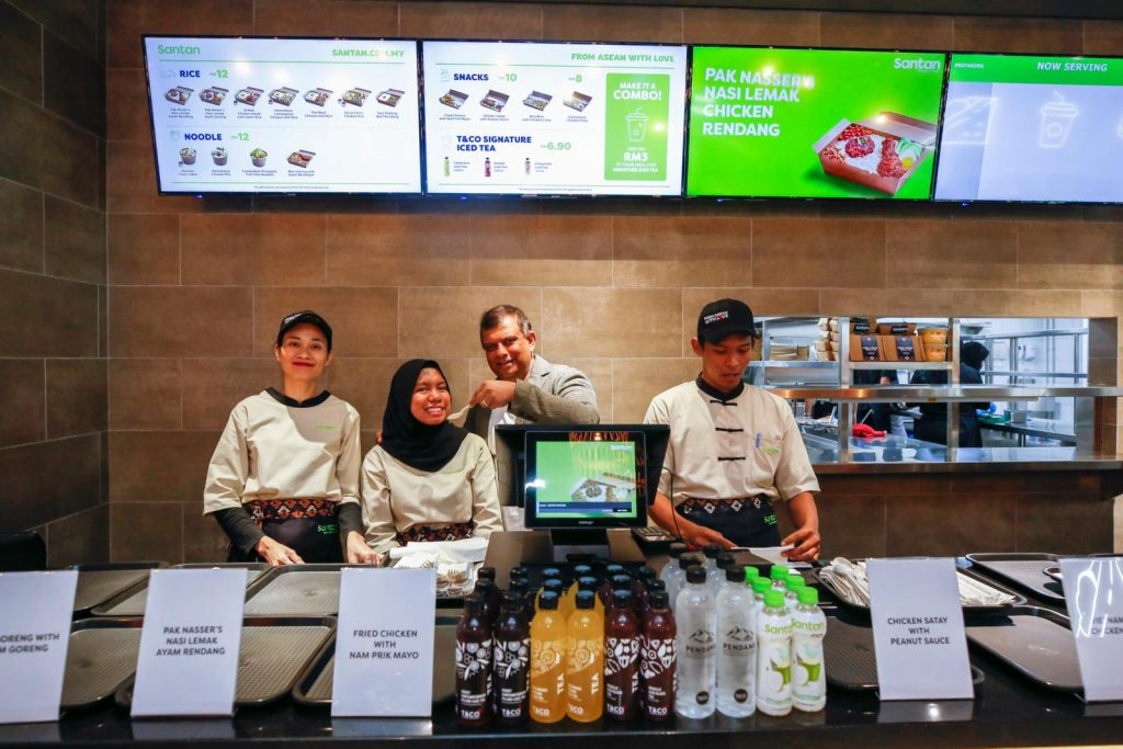 AirAsia Wants to Beat U.S. Fast Food Chains By Opening First Airline Food Restaurant