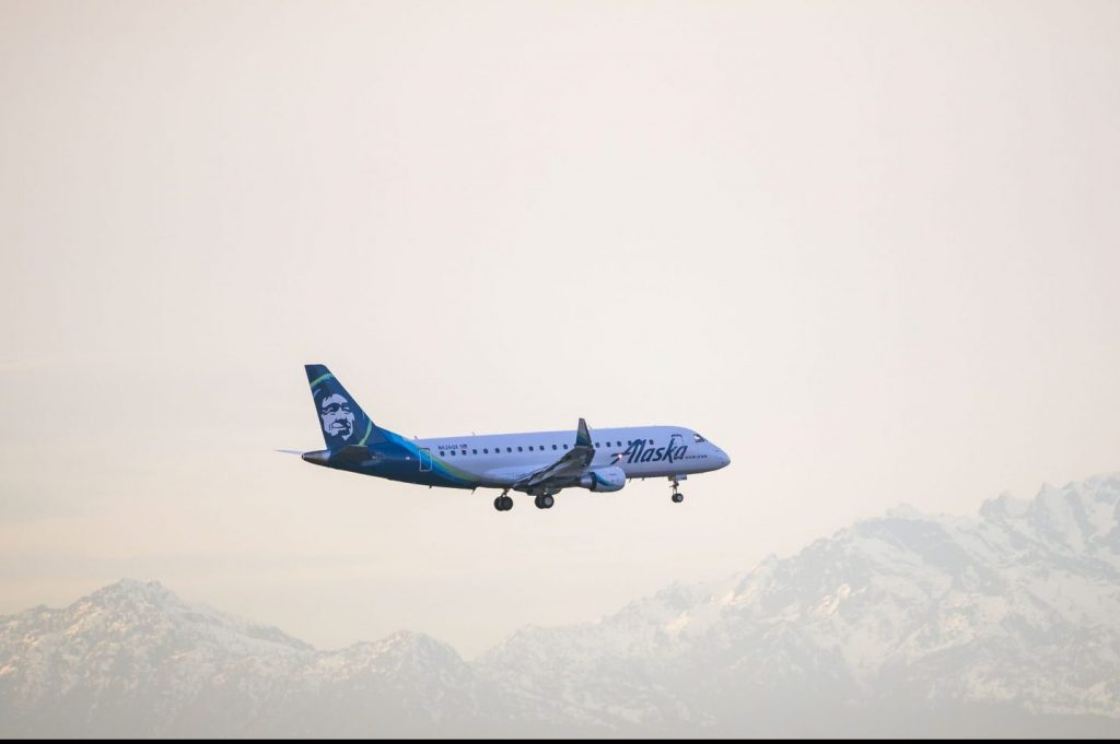 Alaska Airlines Enters Oneworld Alliance and 5 Other Top Aviation Stories This Week